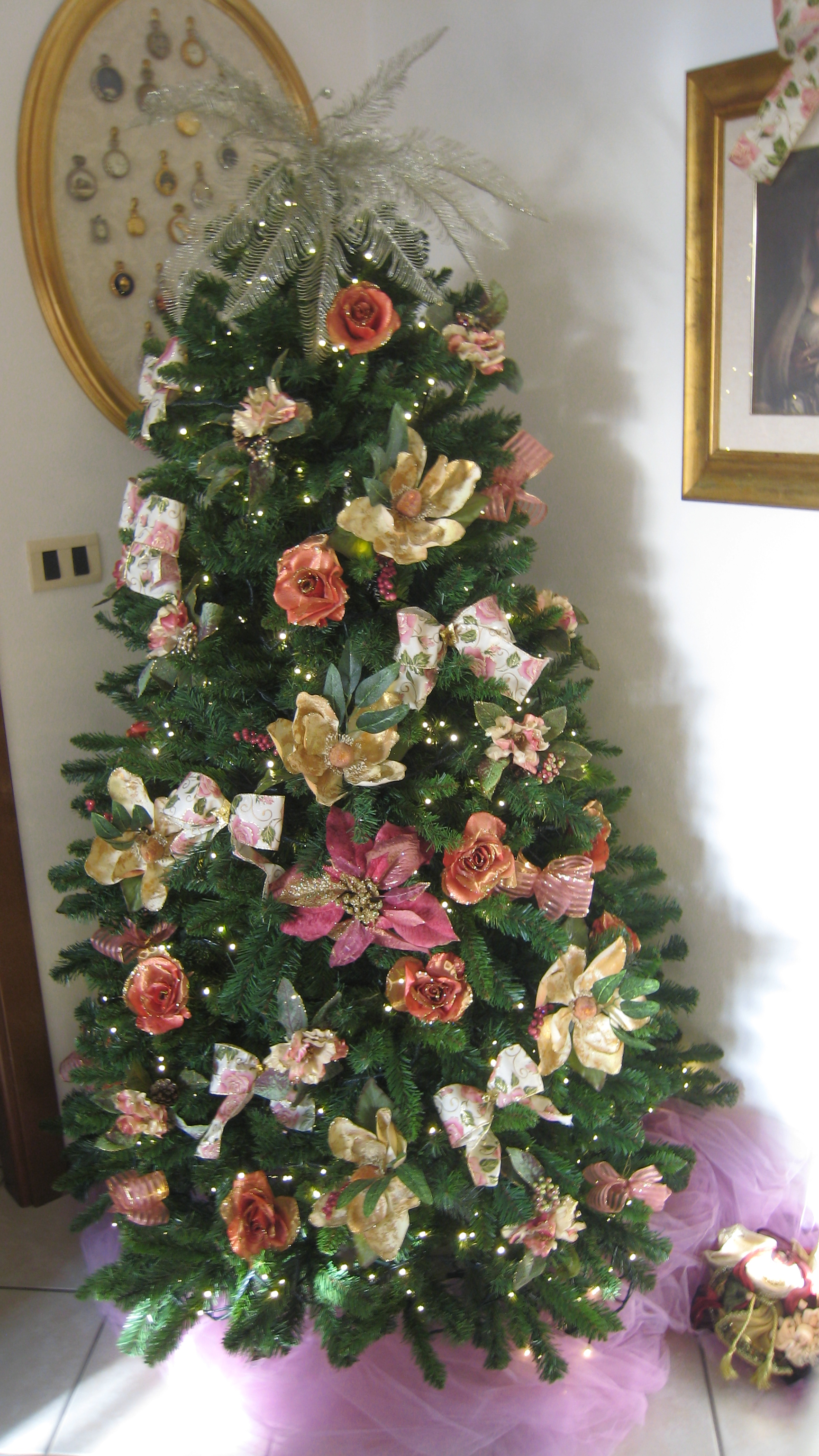 Natale addobbati con fiori e fiocchi, ripropongo intanto questi due